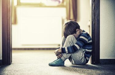 子どもの貧困問題の現状|原因を知り、解決策を考える