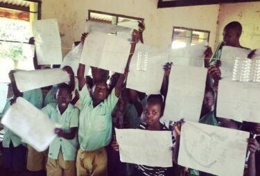 発展途上国の教育問題解消に貢献したい。ウガンダでの図書館設立を目指す高校生