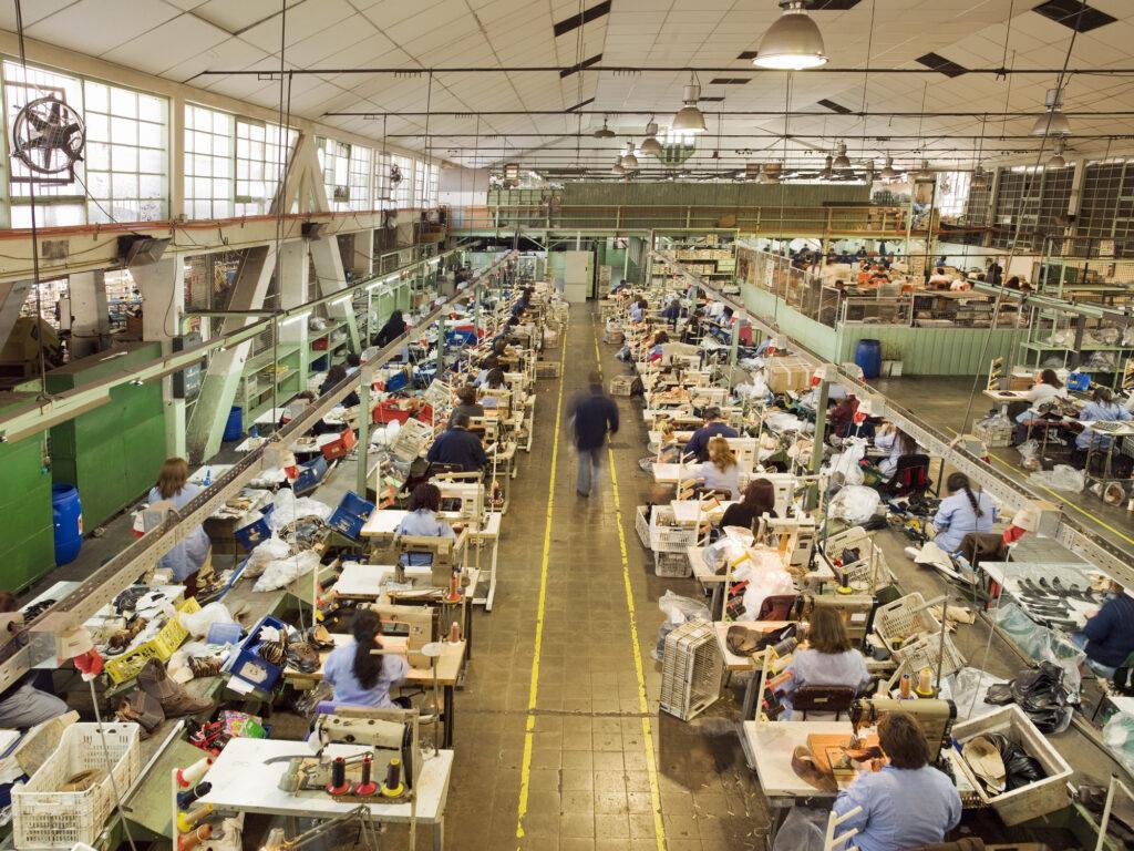 労働環境や人権、働きがいの問題