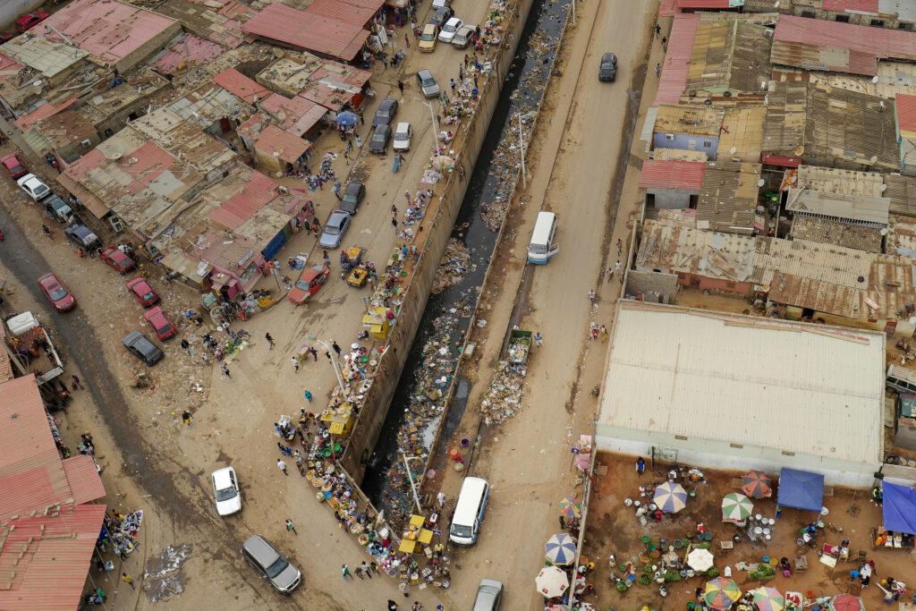 アフリカ貧困問題の解決策