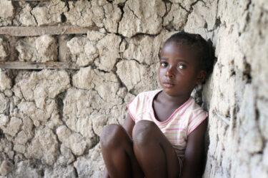 アフリカの貧困の理由とは?現状や問題点、解決策も